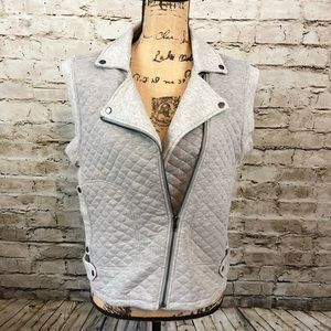 OLIVE + OAK • Zippered Vest